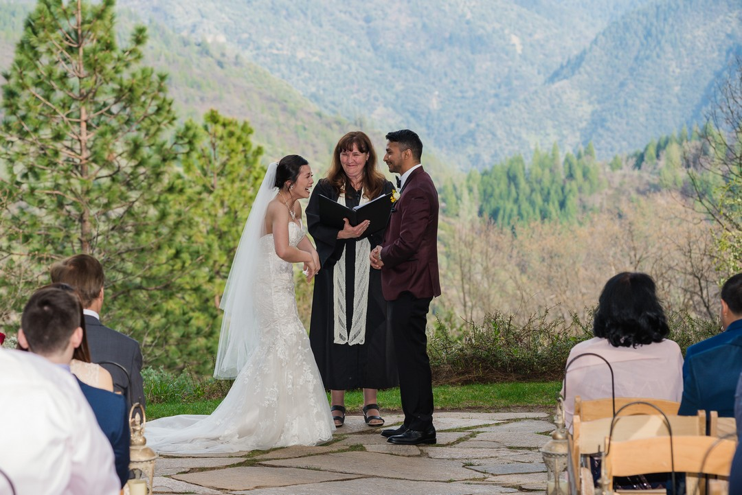 Bride, groom, officiant, wedding ceremony, Forest House Lodge, Rev. Jeri Murphy. Grand Sierra Pointe, 2019 Weddings
