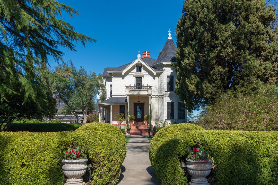 Park Winters, B&B, Yolo County, Wedding Venue, Victorian home, Rev. Jeri Murphy, Jeri Murphy Photography